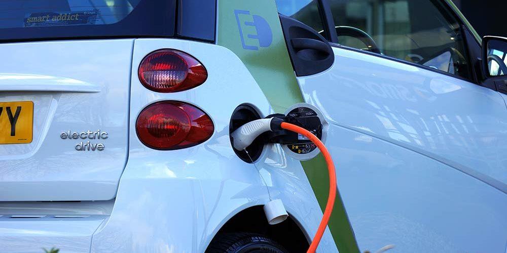 In Giappone stop alla vendita di vetture benzina e diesel entro il 2035
